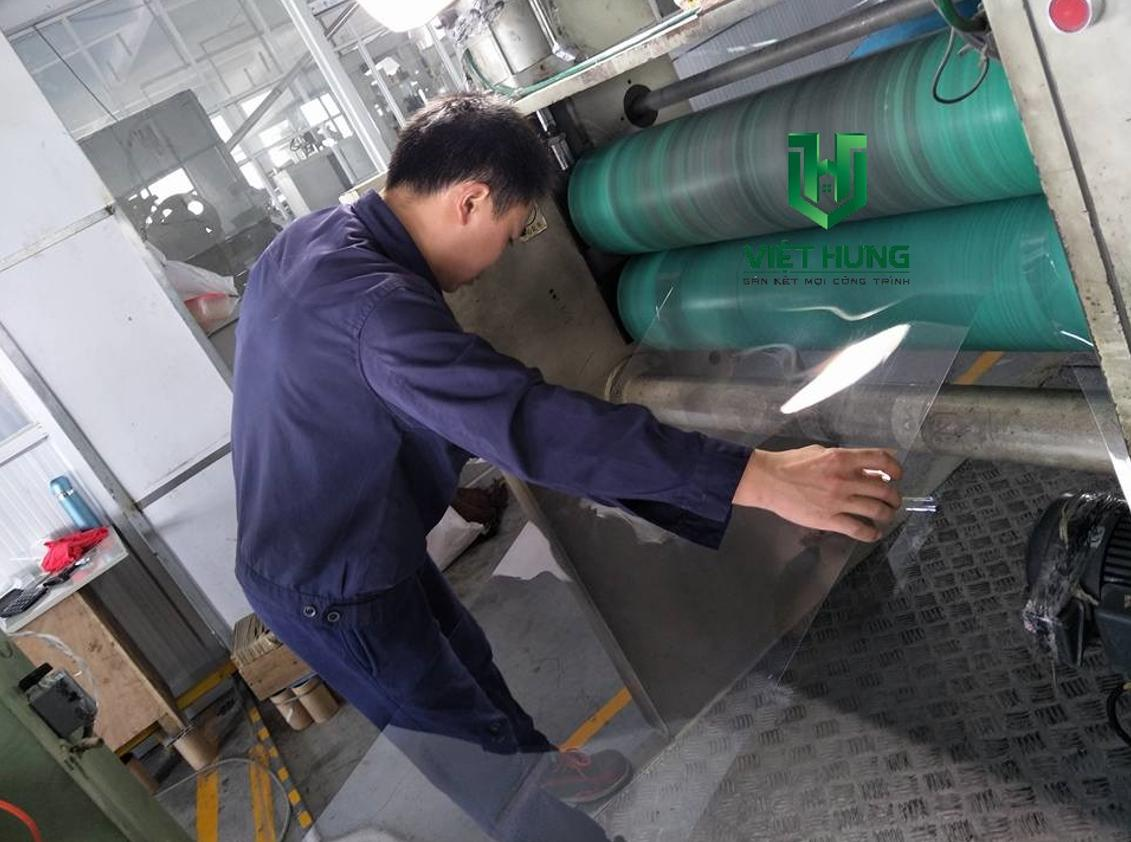 Dây chuyền sản xuất cuộn màng nhựa pvc trong cứng định hình