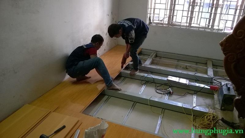 Thi công lắp đặt ván nhựa lót sàn pvc chịu lực