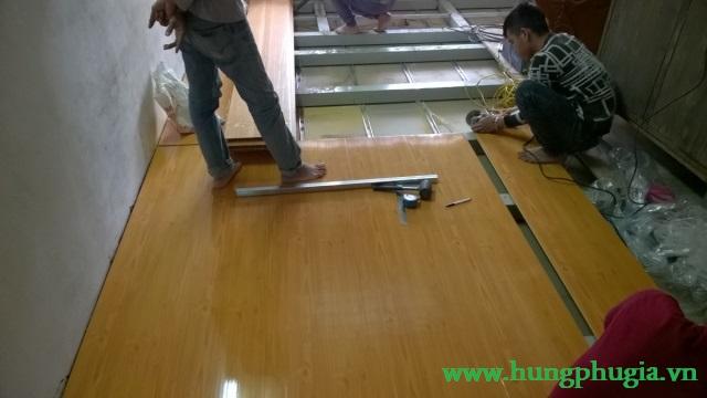 Thi công lắp đặt ván nhựa lót sàn gác lửng pvc chịu lực