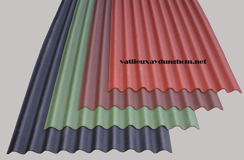 Dùng tôn hay ngói lợp mái nhà tốt hơn