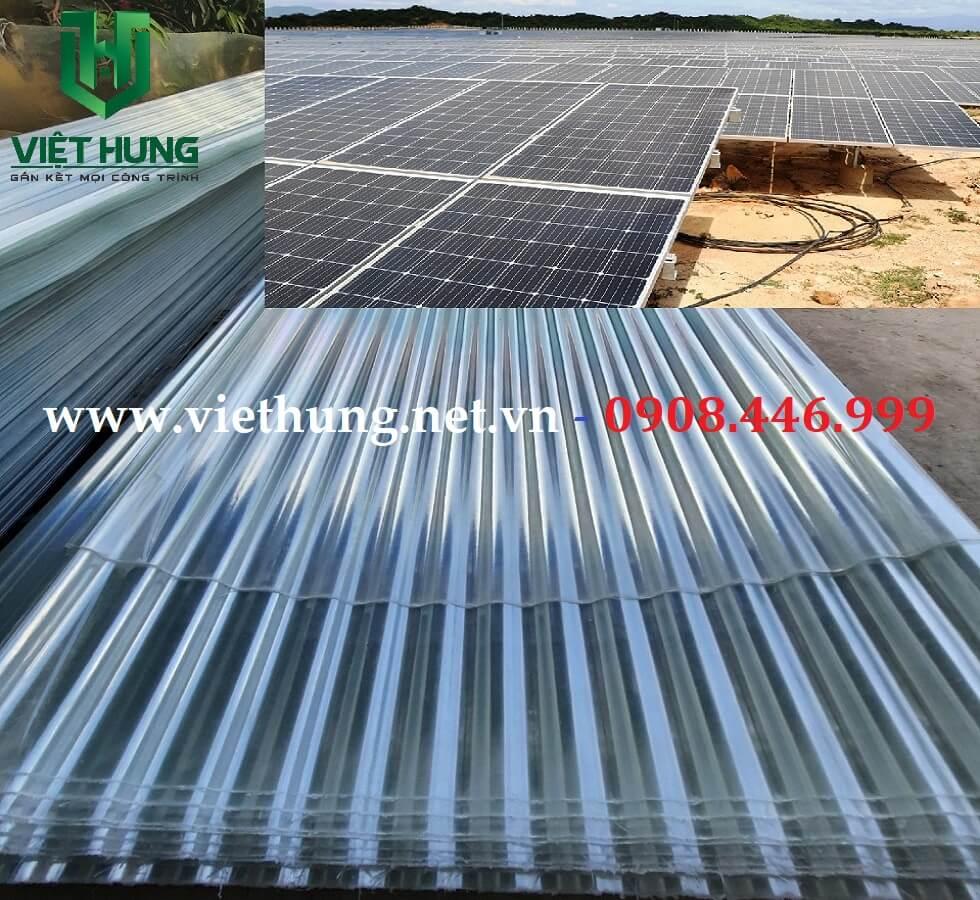 Công ty Sx Tôn nhựa lấy sáng sợi thủy tinh lợp dưới tấm Pin năng lượng mặt trời Solar