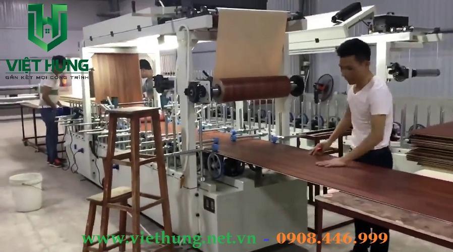 Giây chuyền sản xuất tấm nhựa ốp tường vân gỗ phủ Nano