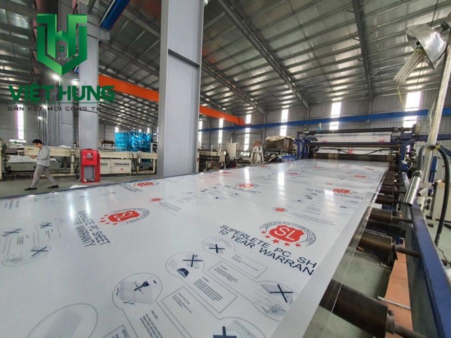 Dây chuyển sản xuất tấm lợp polycarbonate đặc ruột dày 2mm